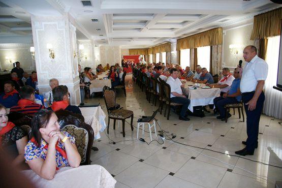 Не обошел вниманием яркое  событие в аграрной жизни района и глава муниципалитета Юрий Ревякин