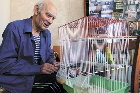 Николай Иванович Орехов не одинок: в его доме живут Кеша и Маша