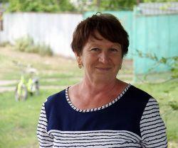 Председатель ТОС Ирина Горбань выступила экскурсоводом для журналистов «СГ». Женщина несколько десятилетий живет в Восходе и может рассказать много интересного и об истории населенного пункта, и о жителях