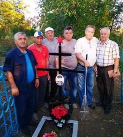 Ветераны Группы Войск в Германии ухаживают за могилой трагически погибшего Виталия Жуйкова