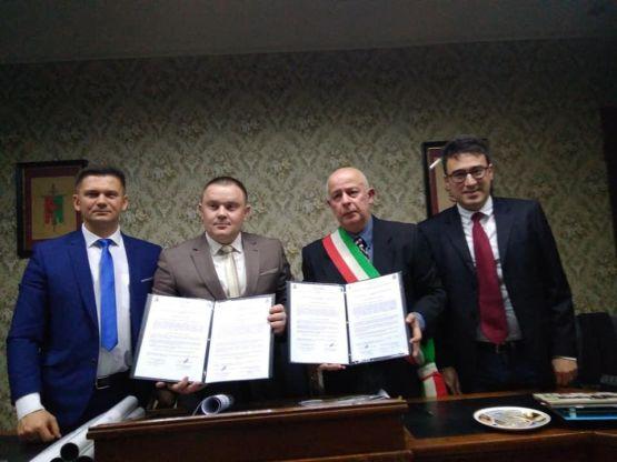 Подписан Договор о побратимстве между станицей Новопокровской и городом Каманья Монферрато